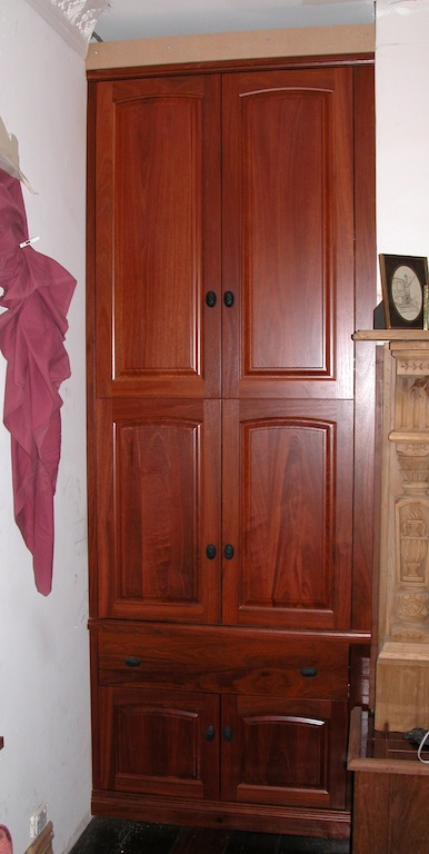 Custom furniture perth bookcases and built in pque for Roll out screen door
